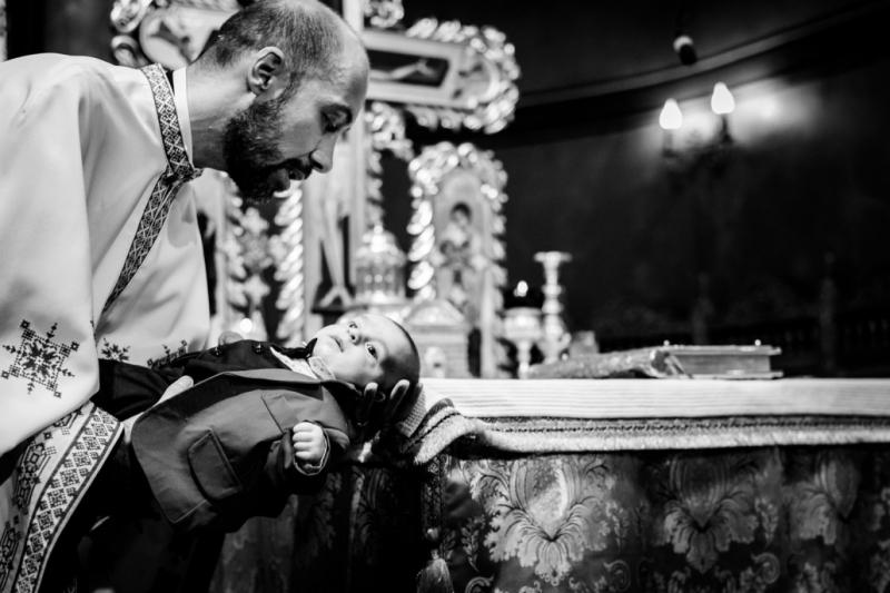 Reginele - 7 tipuri de fotograftii de botez obligatorii-revizuit - Cover