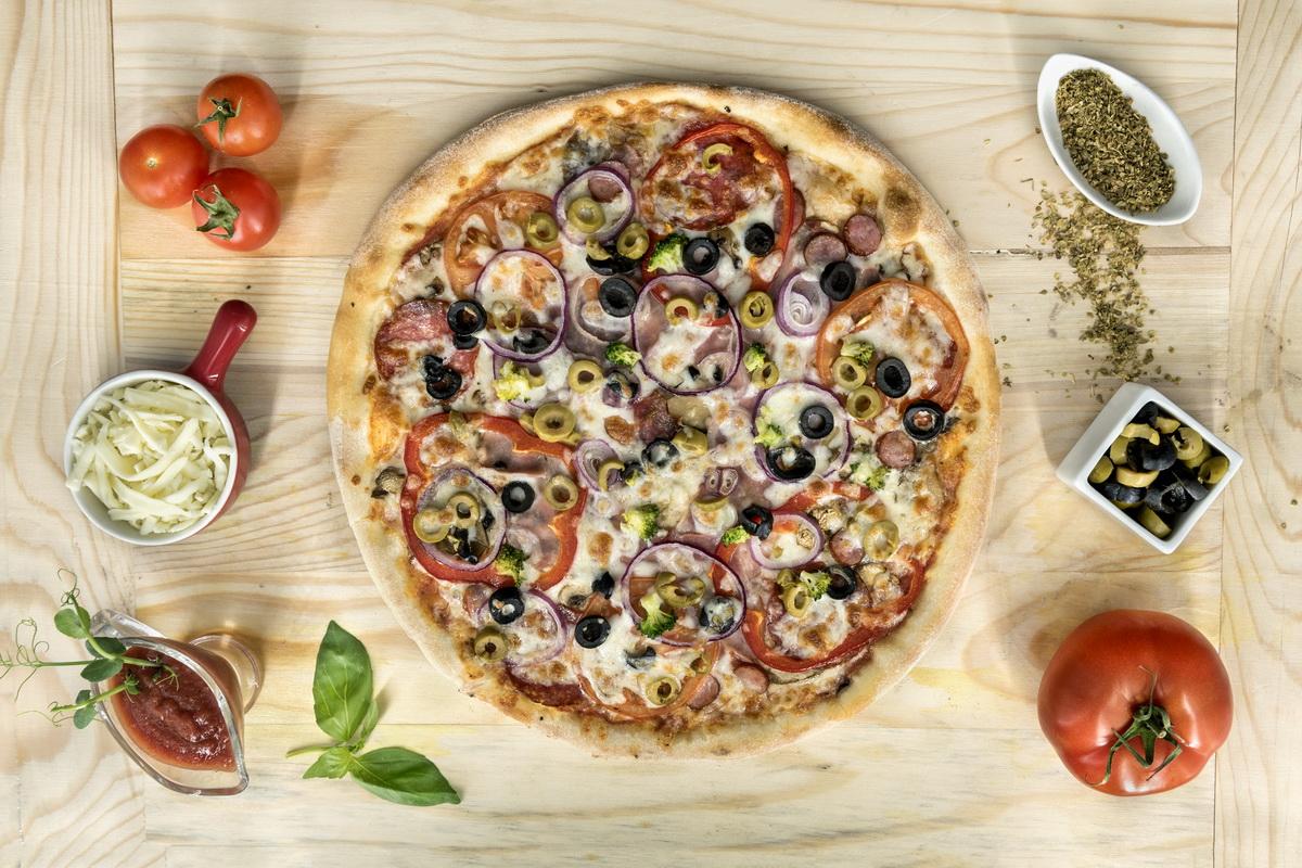 "Mihaela Bilic este de parere ca "" Pizza este o mancare nevinovata"""